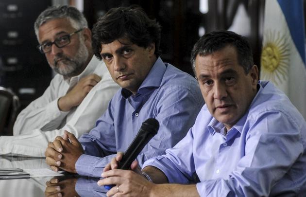 El Gobierno de Vidal amenazó con descontar los días de paro a los docentes.