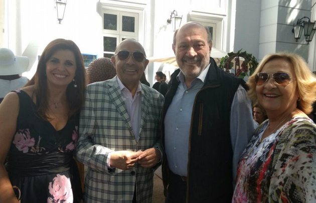 Laura Carbonari, Mario Pereyra, Alfredo Leuco y Estela, la mujer de Mario.