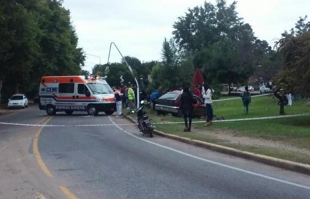 Así quedó el VW Gol tras el violento accidente (Foto: diariosierras.com)