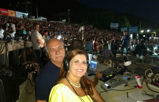 Laura Carbonari y Luis Yunes, en la transmisión de la Vendimia.