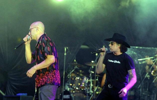 En 2008, los artistas cantaron juntos en el Estadio Único de La Plata.