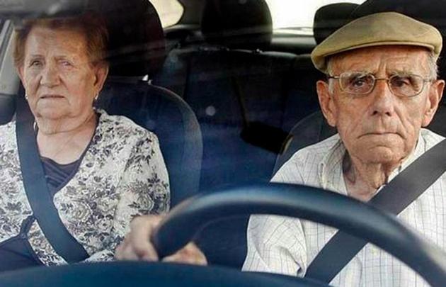 """""""El adulto mayor conduce más despacio y creo que molesta"""