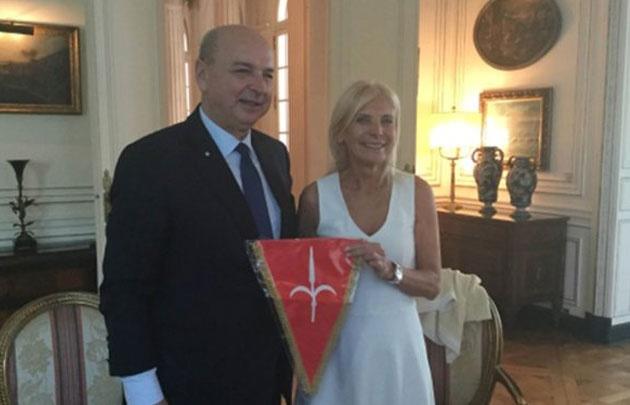 El intendente Dipiazza y su esposa Claudia  D'Atri.
