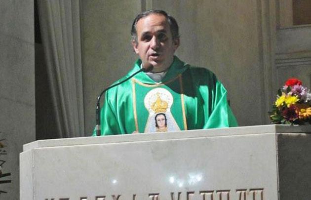 El sacerdote Humberto González denunció a los narcos (Foto: El Litoral)