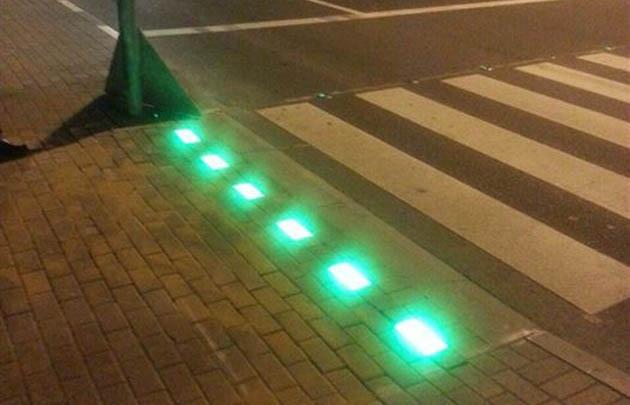 Los semáforos de piso se ubicarán en diez esquinas rosarinas.