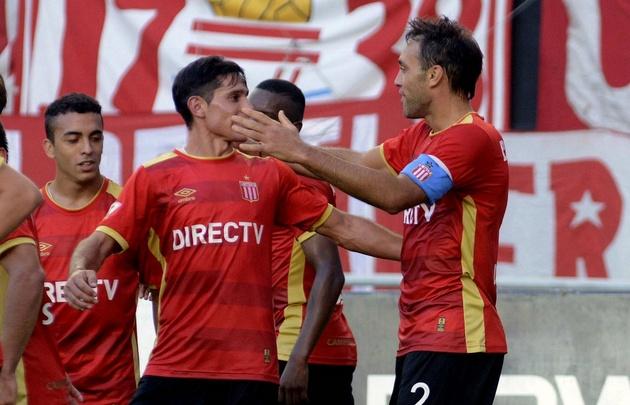 Con gol de Desábato, Estudiantes venció a Patronato en La Plata.