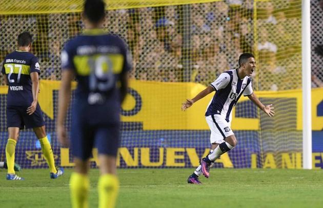 Reynoso se llena la boca de gol y Talleres celebra un enorme triunfo en La Bombonera.