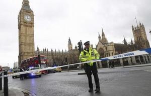 La primer ministra, Theresa May, habló y trató de llevar calma a la población.