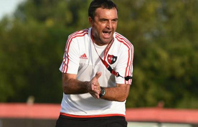 Diego Osella es el director técnico de Newell's.