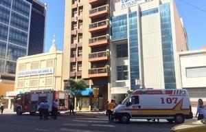 El incendio se originó en el séptimo piso del edificio de la avenida Maipú 44.