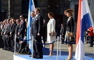 Macri y la primera dama en la bienvenida oficial.