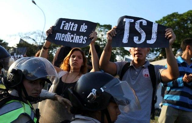 Pese al reclamo de algunos grupos, la protesta aún no es masiva (Foto: El Nacional)