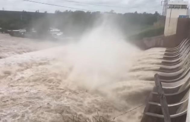 Se abrieron las compuertas del dique El Frontal en Termas de Río Hondo.