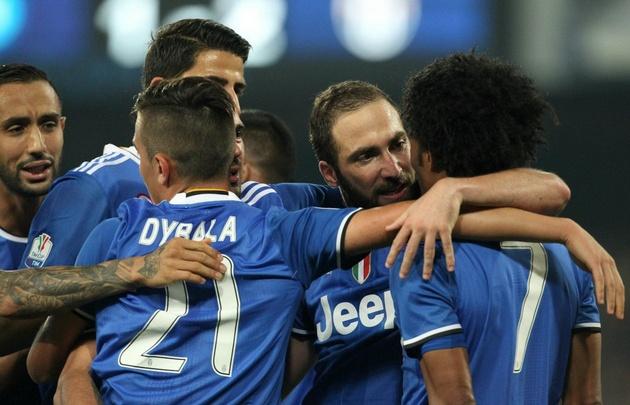 Juventus perdió con Napoli, pero por los goles de Higuaín clasificó a la final.