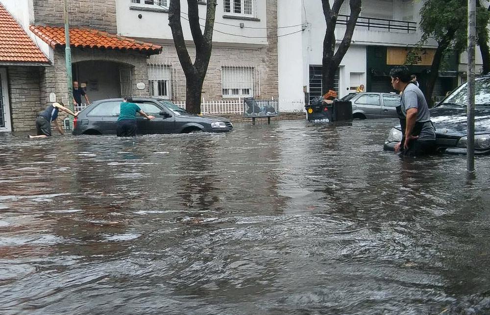 El Fuerte Temporal En Mar Del Plata Dej 140 Evacuados