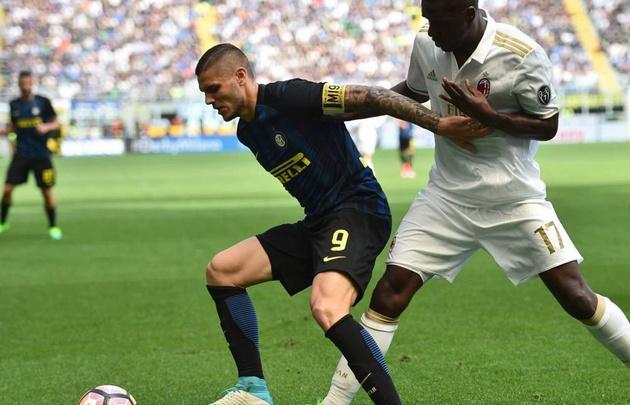 El Milan y el Inter igualaron en un partido para el infarto.