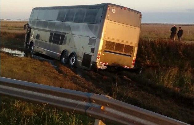 El vehículo llevaba a ocho integrantes de la banda del periodista.