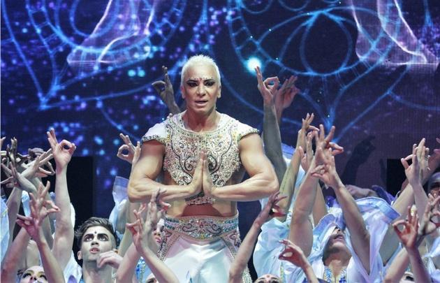 Flavio Mendoza protagonizó Stravaganza 1 y 2 y Mahatma.