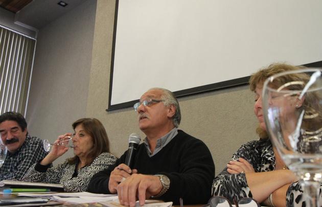 La Uepc aceptó el aumento del Gobierno y firmó las actas.