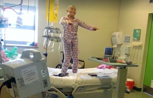 La nena con cáncer que emociona las redes.