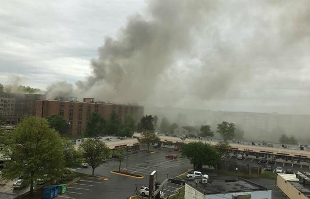 Se incendia un edificio comercial en Maryland (Foto @Csnell23)