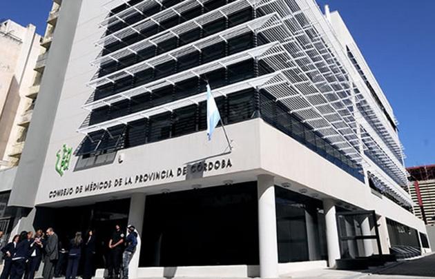 El Consejo de Médicos de Córdoba busca una salida al conflicto.