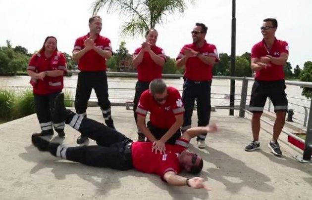 El equipo de médicos de Tigre causó furor con su video de RCP.