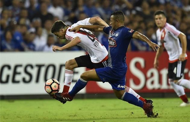 River logró un valioso triunfo sobre Emelec en Ecuador.