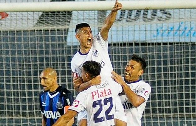 Talleres cayó ante Quilmes en el estadio Centenario.
