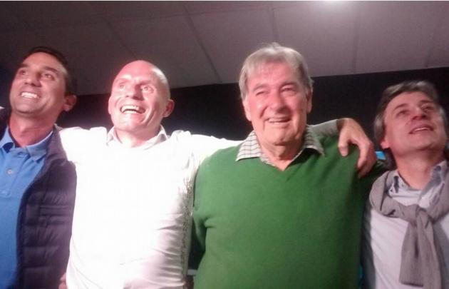 Colomé, Franceschi, Pérez y Villella celebran el triunfo.