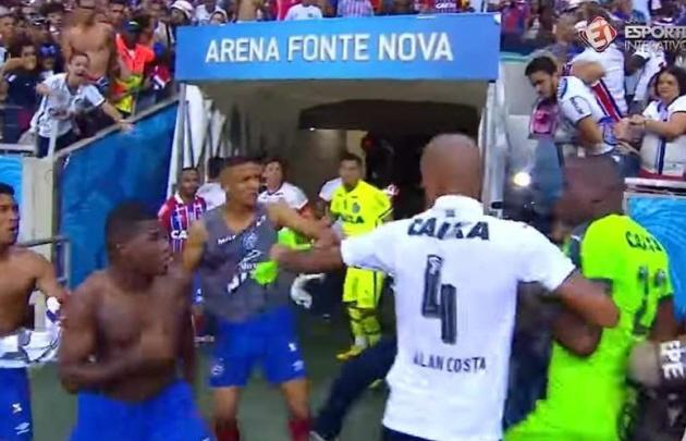 Graves disturbios en el clásico brasilero entre Bahia y Vitoria.
