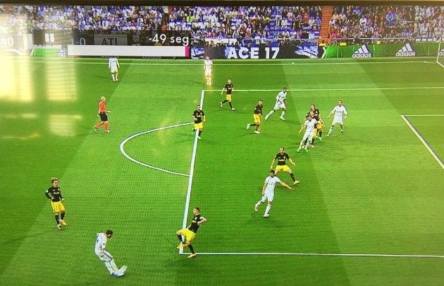 En el primer centro, Cristiano estaba en fuera de juego (Foto: Captura)