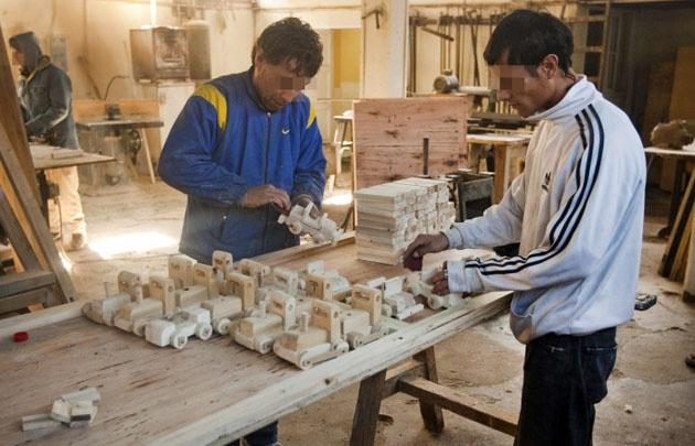 En las cárceles se trabaja en carpintería, electricidad y agricultura.