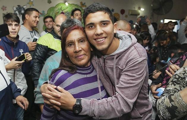 Bebelo se recuperó gracias al apoyo de su familia (Foto: @soycatcba)