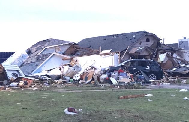 Un devastador tornado sacudió a Oklahoma, en Estados Unidos.