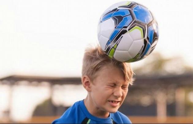 Neurólogos afirman que éste tipo de jugadas puede causar lesiones en el cerebro.