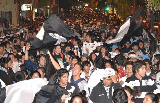 La Inti Huasi festejaron la muerte de un hincha de la facción rival (Foto: Archivo).