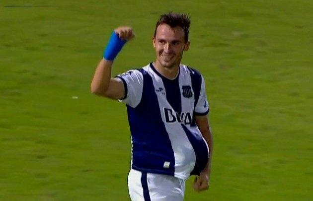 Klusener marcó su gol 50 con la camiseta de Talleres.