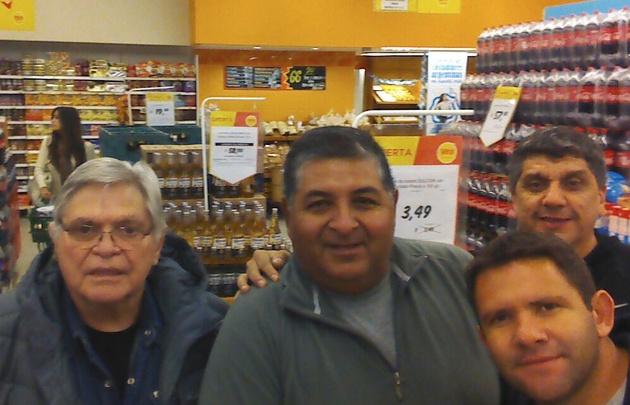 Rony Vargas y equipo camino a Santa Victoria Este.