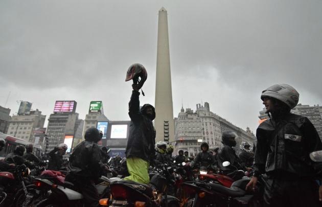 Los motoqueros se oponen a la ley, que no ven utilidad en la normativa.