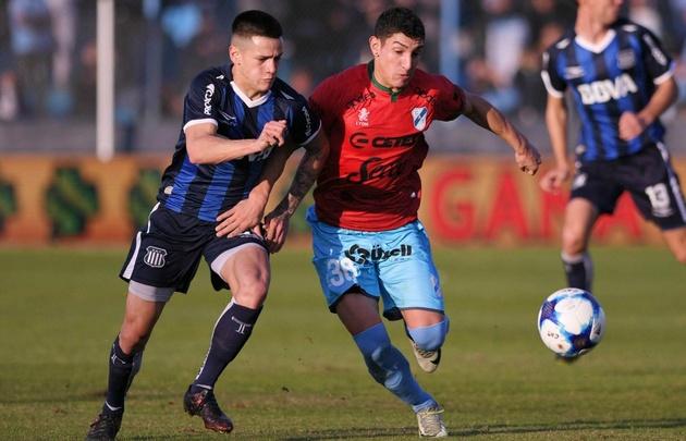 Talleres perdió una buena chance de acercarse a la Sudamericana ante Temperley.