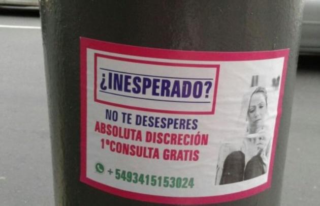 Polémica en Rosario por promociones callejeras de abortos (Foto: La Capital).