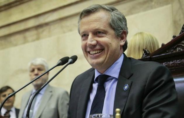 El presidente de la Cámara de Diputados, Emilio Monzó, firmó el aumento.