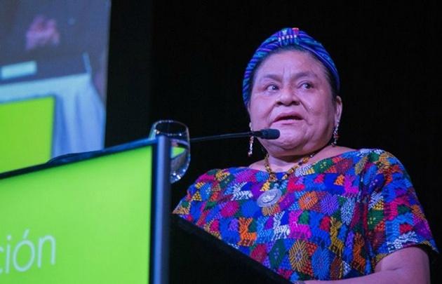 Rigoberta Menchú, Premio Nobel de la Paz, habló sobre los femicidios.