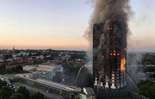 El incendio en Londres dejó al menos 58 muertos.