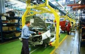 Por primera vez, habrá mujeres en la línea de montaje de Renault.