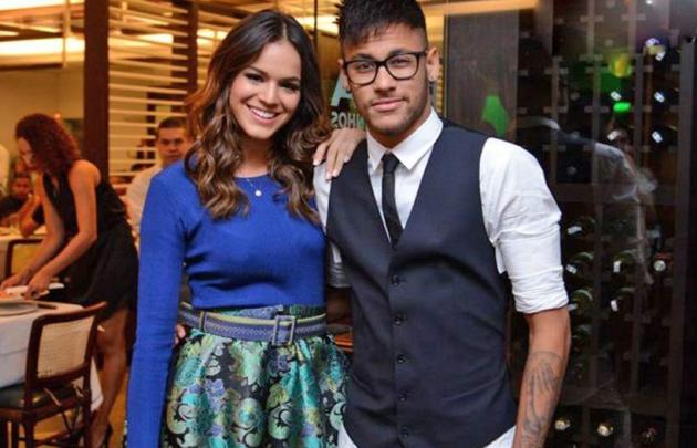Neymar confesó que se separó de su novia Bruna Marquezine.