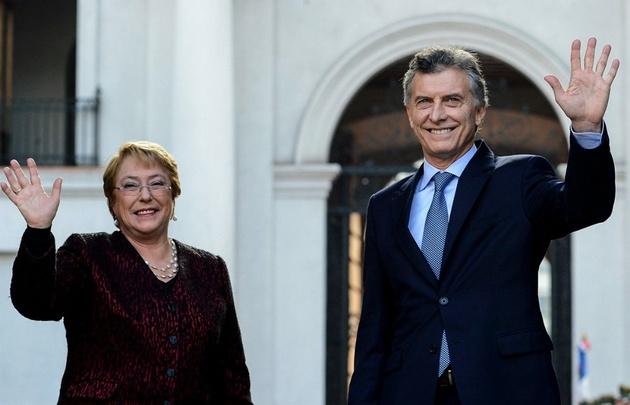 Macri y Bachelet, juntos en Chile.