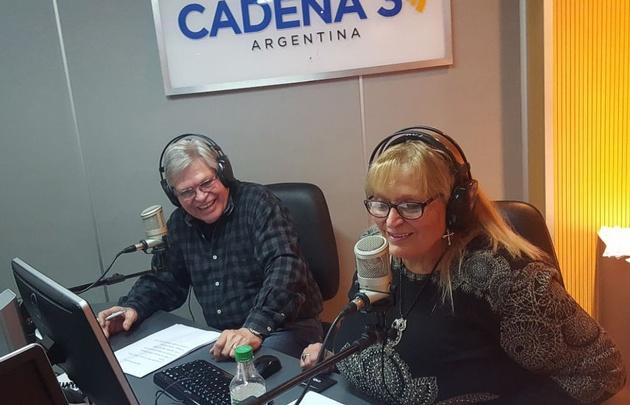 Rony Vargas y Susana Calvet presentan el Viva la radio en el Día del Locutor.