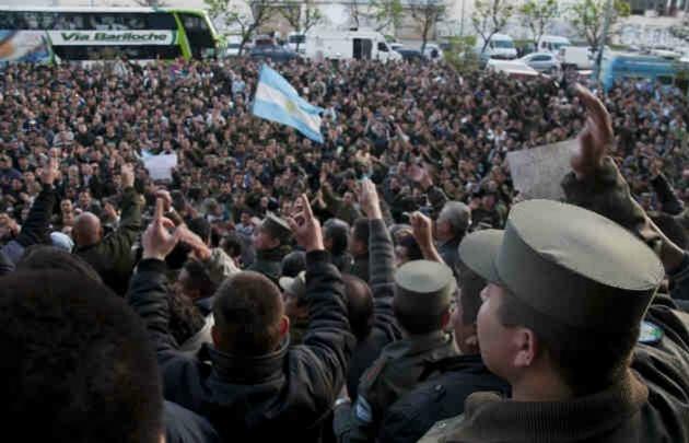En octubre de 2012 gendarmes de todo el país reclamaron por una suba salarial.